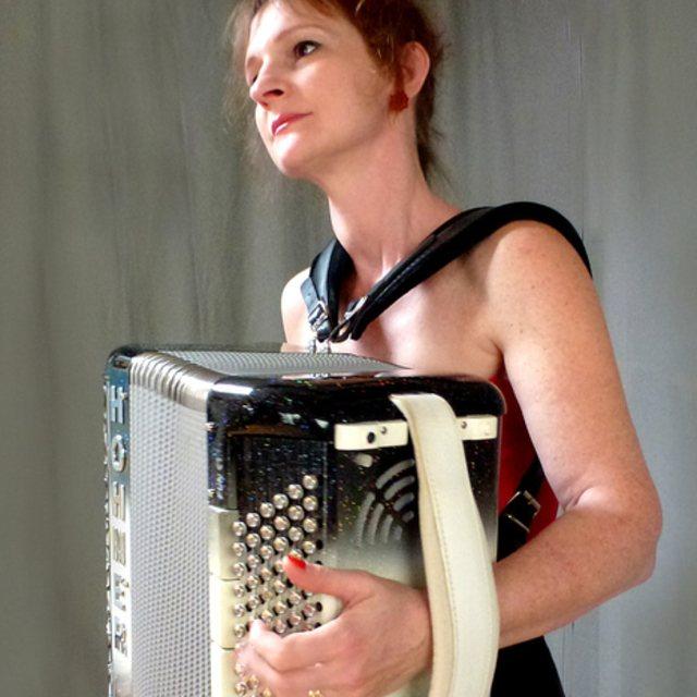 veronique accordeoniste