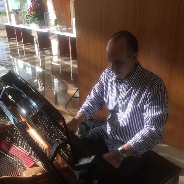 rafael-latin-piano